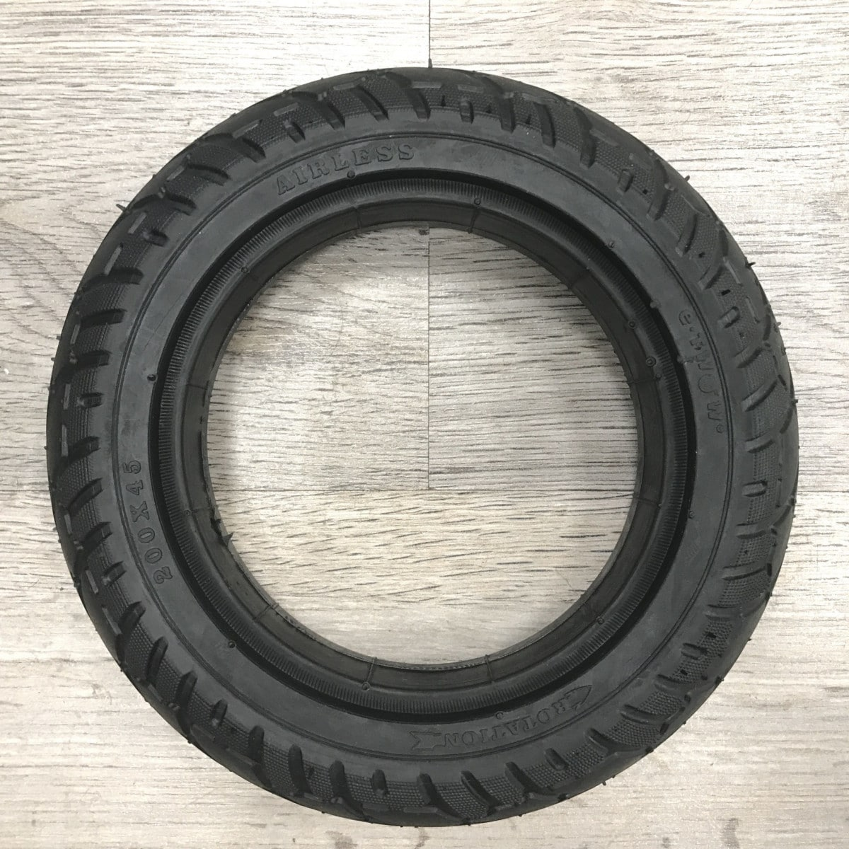pneu en gomme pour roue moteur etwow urban360. Black Bedroom Furniture Sets. Home Design Ideas