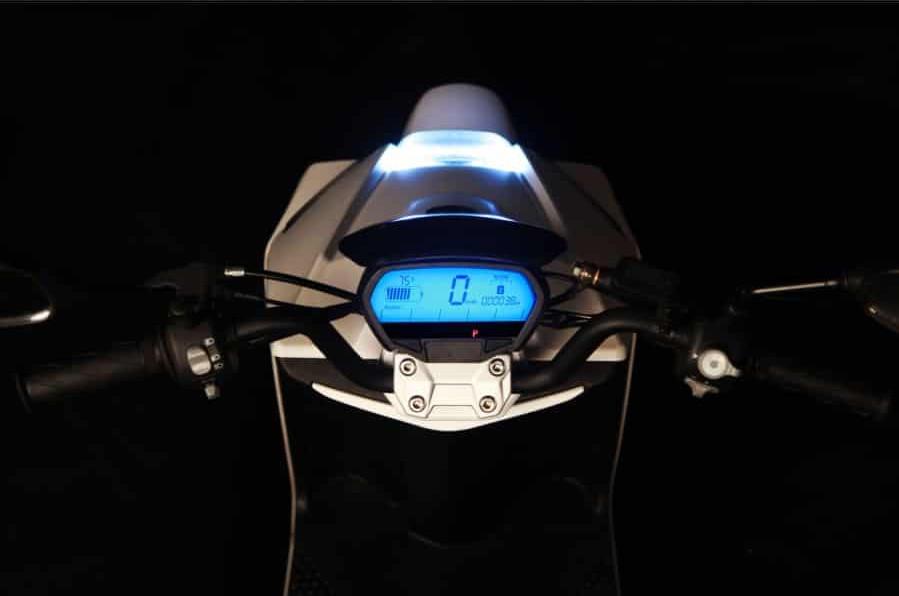 youbee-city-50-scooter-electrique-tableau-de-bord-1