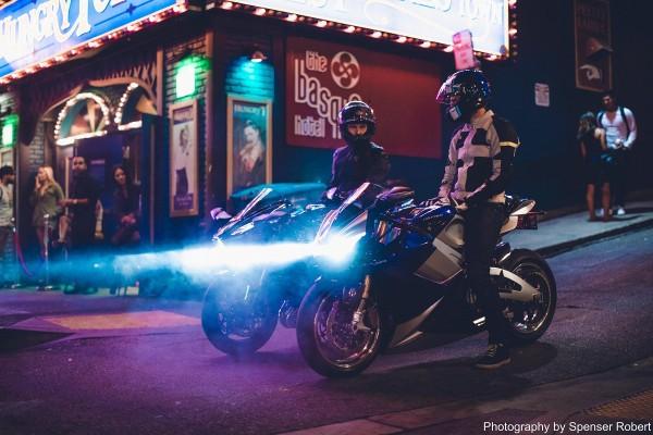 lightning-ls-218-super-moto-electrique-la-plus-rapide-2