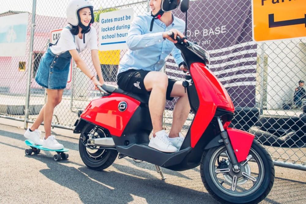 super soco cu x scooter electrique