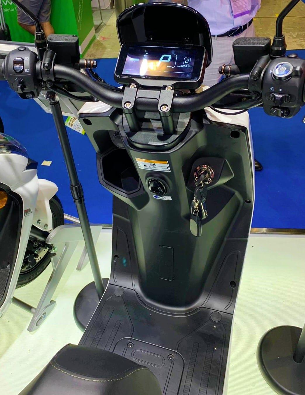 LVE-S5-scooter-electrique-tableau-de-bord