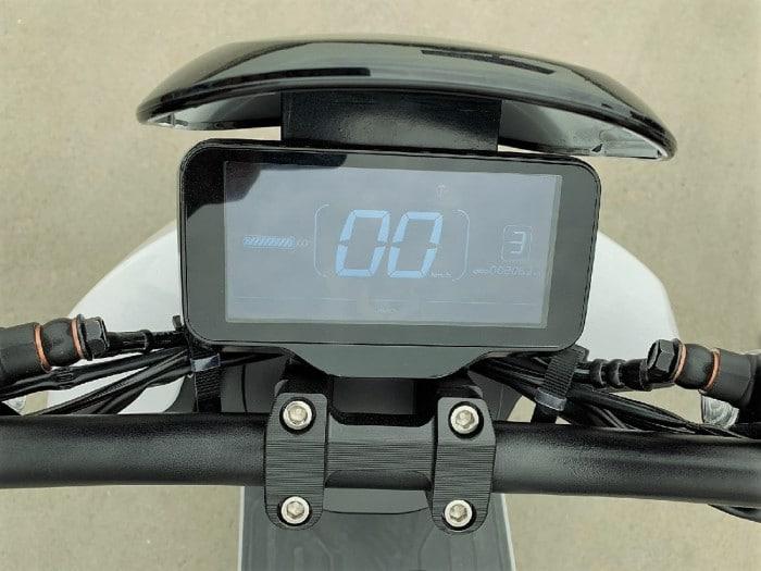 lve-s5-scooter-electrique-afficheur