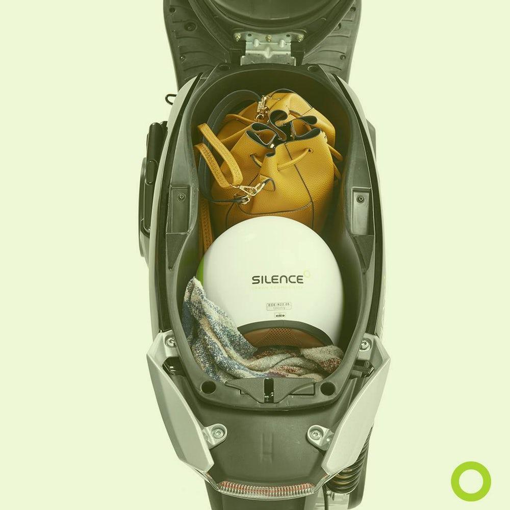 moto scooter electrique silence place pour casque