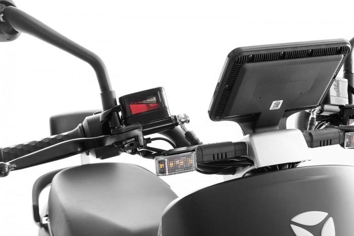 SXT Yadea G5 ESCG5.6 schwarz matt Lenker Blinker