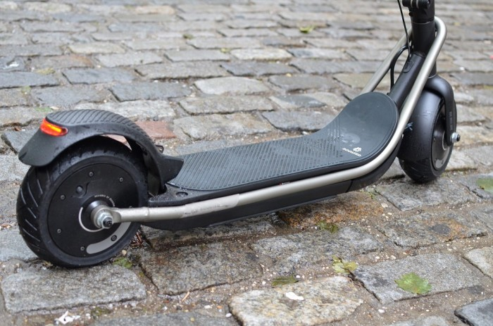 boosted rev trottinette electrique arriere