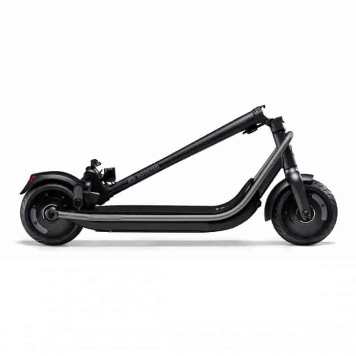 boosted-rev-trottinette-electrique-dexcellence-double-moteurs-pliee-1