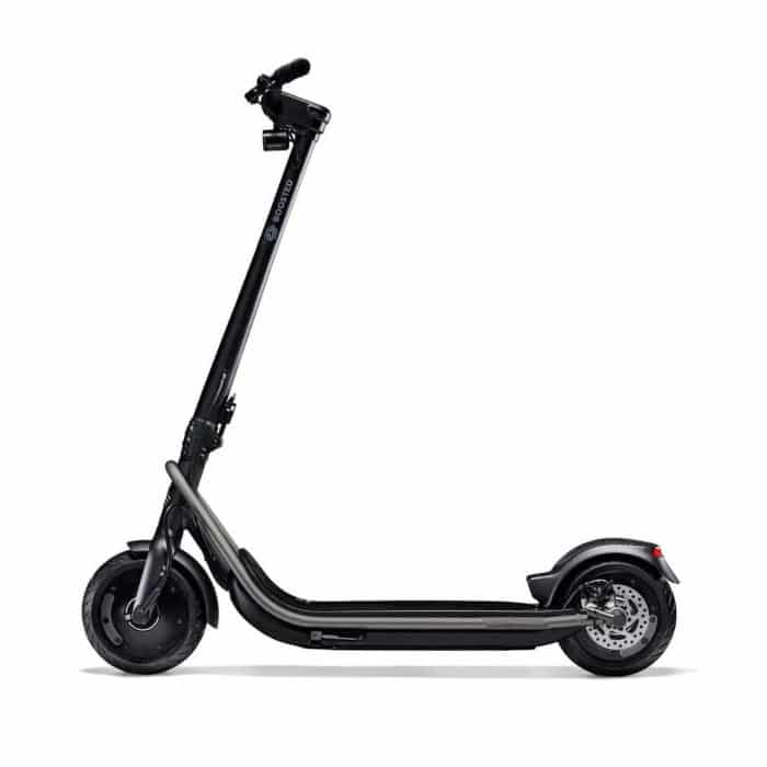boosted-rev-trottinette-electrique-dexcellence-double-moteurs-profil-1