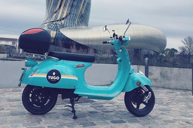 pink-style-bleu-ciel-scooter-electrique