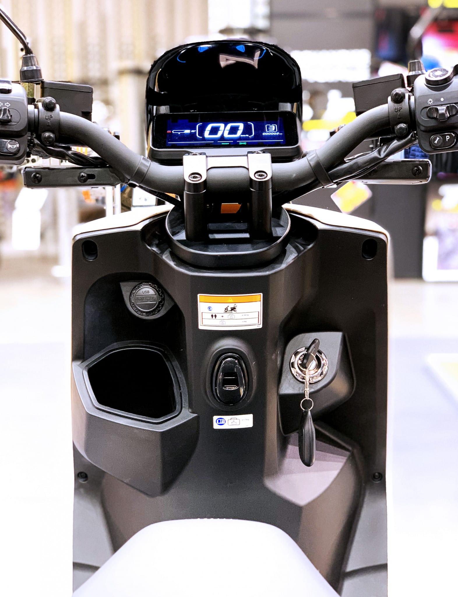 steering-wheel-front