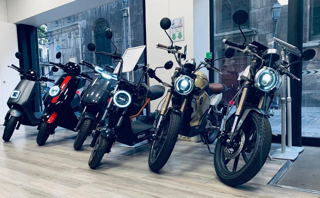 magasin-scooters-motos-electriques-paris-1er