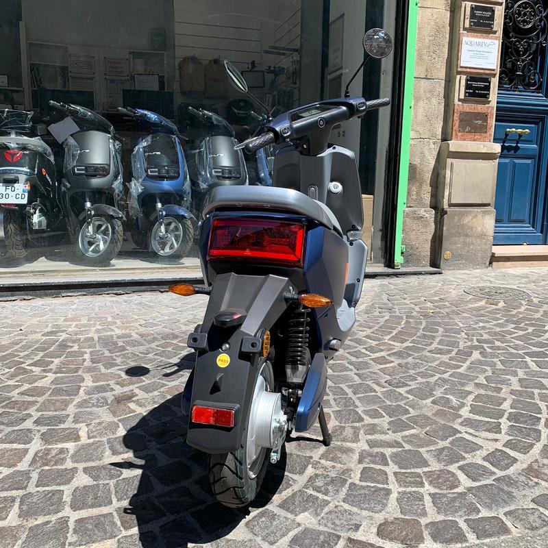 yadea-c-line-scooter-electrique-13