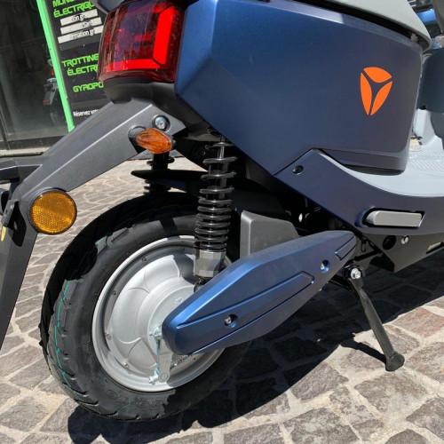 yadea-c-line-scooter-electrique-9