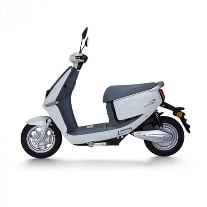 yadea-c-line-scooter-electrique-profile