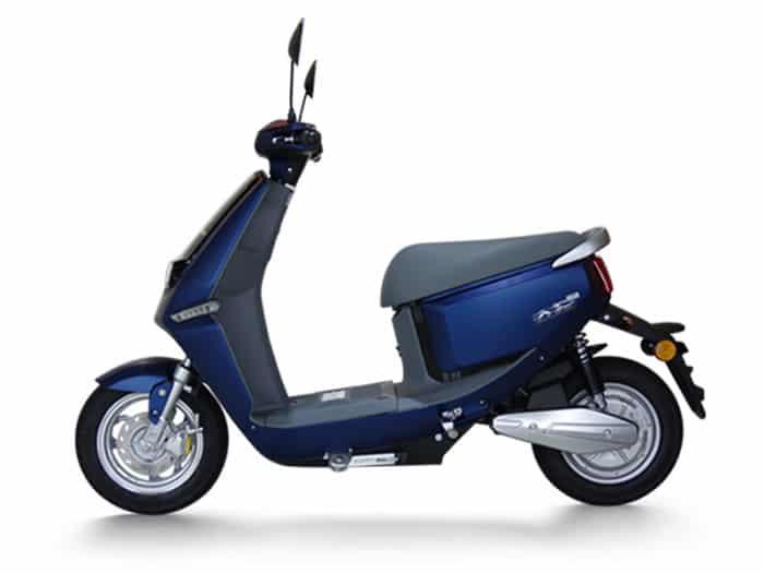 yadea-cline-blue-mat-scooter